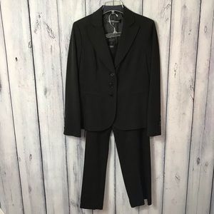 Kasper 8 Pant Suit Black Lined Two Piece Career